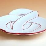 滝沢眞規子さん愛用☆ひな祭りのお皿♬桜餅のお皿はコチラ>>【有田焼】朱巻むすび 小皿