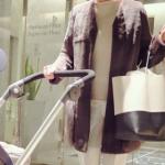 田丸麻紀さんマザーズバッグはセリーヌの白黒ツートンカラー
