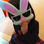 海老蔵さんブログ登場>>謎のウサギのサングラス(笑)