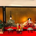 滝沢眞規子さんちの雛人形はコレ>>[吉徳 清水久遊作]ひな人形と一緒に娘ちゃんの名前もチラリっ∑q|゚Д゚|pワオォ