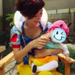 田丸麻紀さん2015ハロウィン衣装はコレに決まり!家族で仮装>>Halloweenコスチューム。白雪姫のお供は七色虫さんの息子くん??