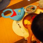 田丸麻紀さんちの息子くん、オシャレ離乳食グッズはコチラ>>[シリコン製スタイ/ビブ]
