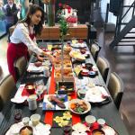 滝沢眞規子さん、お正月おせち料理画像。室内インテリア&テーブルコーディネートが素敵!