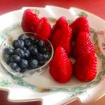 海老蔵さんちのフルーツ皿が可愛いっ!葉っぱみたいなプレートはコレ>>